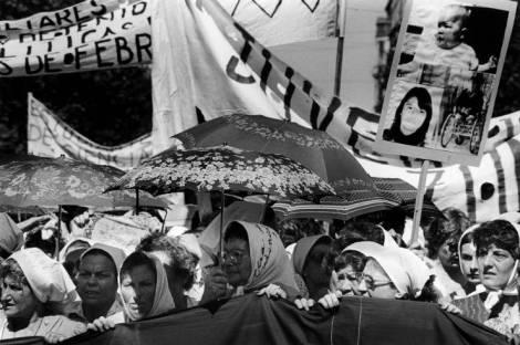 III Marcha de la resistencia de las Madres de Plaza Mayo. Foto: mx.blouinartinfo.com